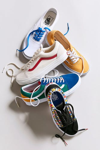 范斯Urban Outfitters Vans Old Skool麂皮+帆布运动鞋(女款)
